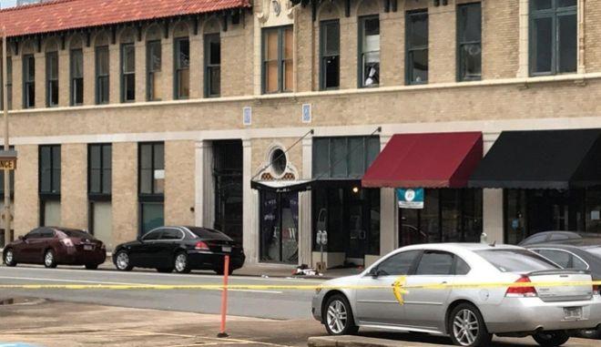 Πυροβολισμοί στο Αρκάνσας: Στους 28 οι τραυματίες από την επίθεση