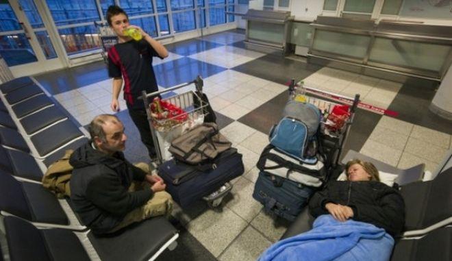 Ο Έλληνας που έκανε σπίτι του το... αεροδρόμιο