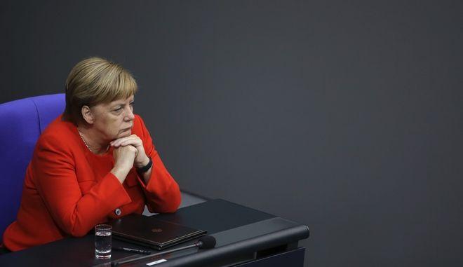 Η καγκελάριος Μέρκελ στο γερμανικό κοινοβούλιο