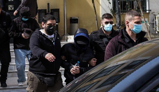 Ο Μένιος Φουρθιώτης μετά την απολογία του στον εισαγγελέα