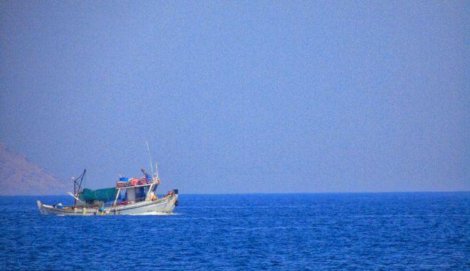 Καλοκαιρινό στιγμιότυπο από παραλία της Αττικής