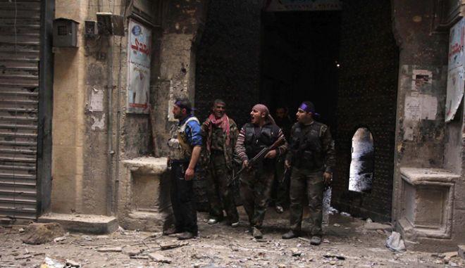 Συρία: Οι αντάρτες κατέλαβαν αποθήκες με στρατιωτικό υλικό κοντά στο Χαλέπι