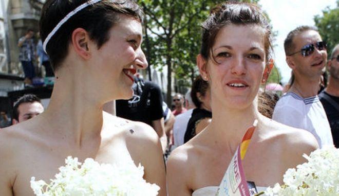 Γαλλία: Νόμος του κράτους οι γάμοι μεταξύ ομοφυλοφίλων