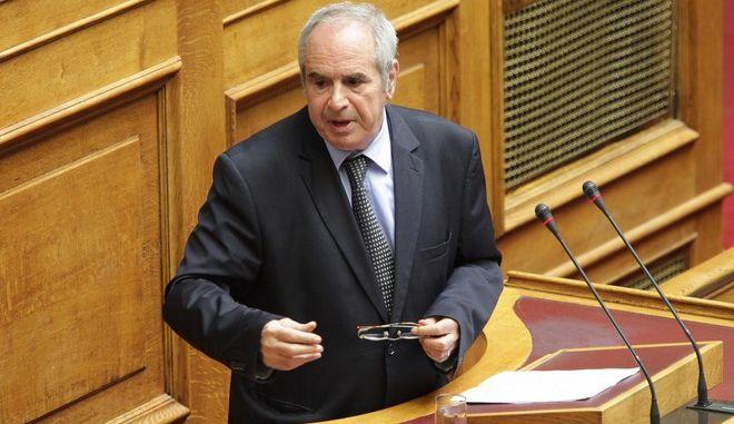"""Συνέχιση της συζήτησης στην Ολομέλεια της Βουλής, επί του σχεδίου νόμου """"Ρυθμίσεις θεμάτων Δημόσιου Ραδιοτηλεοπτικού Φορέα, Ελληνική Ραδιοφωνία Τηλεόραση Ανώνυμη Εταιρεία και τροποποίηση του άρθρου 48 του κ.ν. 2190/1920 και άλλες διατάξεις"""" την Τρίτη 28 Απριλίου 2015. ΣΤΑΘΗΣ ΠΑΝΑΓΟΠΟΥΛΟΣ  (EUROKINISSI/ ΠΑΝΑΓΟΠΟΥΛΟΣ ΓΙΑΝΝΗΣ)"""