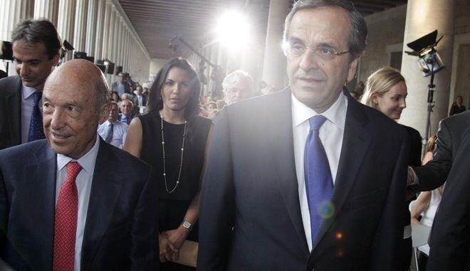 """ΑΘΗΝΑ- Συνέδριο """"Δημοκρατία υπό πίεση"""" ,ο πρωθυπουργός Αντώνης Σαμαράς και ο Κώστας Σημίτης ,Δευτέρα 15 Σεπτεμβρίου 2014. (EUROKINISSI/ΓΙΩΡΓΟΣ ΚΟΝΤΑΡΙΝΗΣ)"""