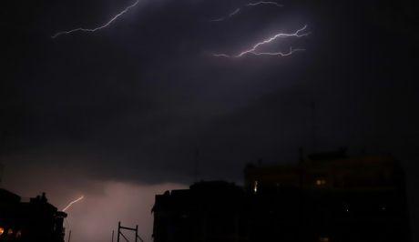 Αλλάζει το σκηνικό του καιρού: Βροχές, χαλάζι και πτώση της θερμοκρασίαςτην Πέμπτη