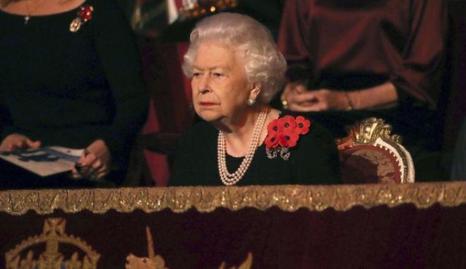 Η Βασίλισσα της Μ. Βρετανίας, Ελισάβετ