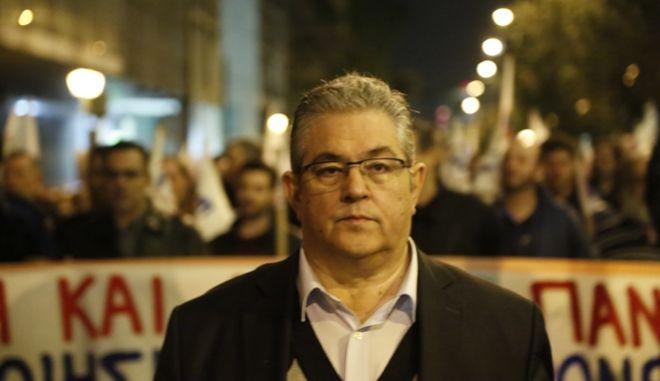 ΑΘΗΝΑ-Συλλαλητήριο του ΠΑΜΕ στην Ομόνοια για τα αποτελέσματα του Eurogroup.(Eurokinissi-ΣΤΕΛΙΟΣ ΜΙΣΙΝΑΣ)