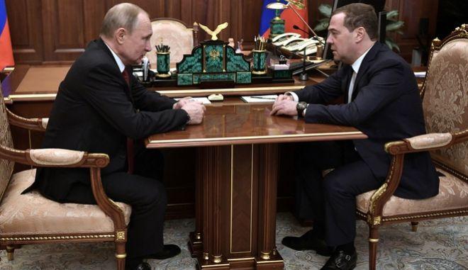Ο Βλάντιμιρ Πούτιν και ο Ντιμίτρι Μετβέντεφ