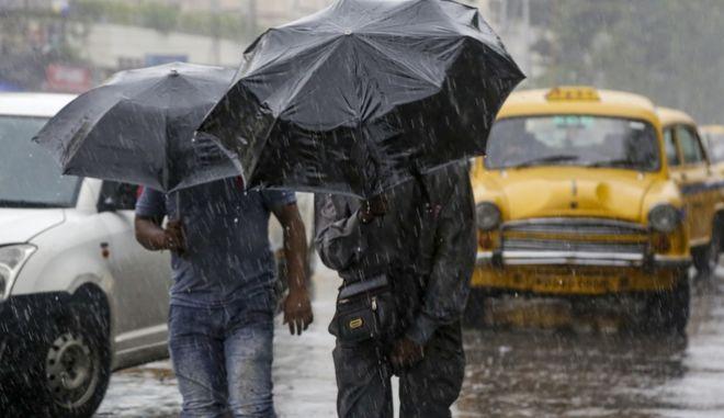 Κυκλώνας στην Ινδία