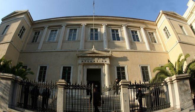 ΣτΕ: Η απόφαση για τους ενστόλους αφορά μόνο τους στρατιωτικούς