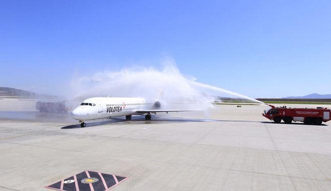 Volotea: Τέσσερις νέοι προορισμοί από Αθήνα. Πρώτη φορά αεροπορική σύνδεση με Κάλιαρι
