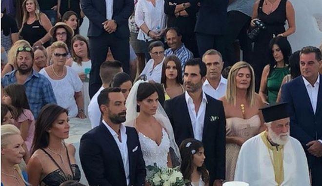 Παντρεύτηκαν Σάκης Τανιμανίδης - Χριστίνα Μπόμπα