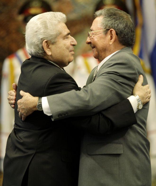 Ο Χριστόφιας βρίσκεται στην Κούβα για διήμερη επίσκεψη. (AP Photo/Franklin Reyes)