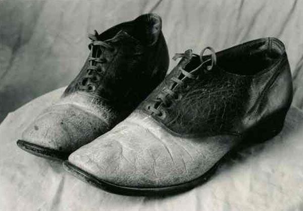 Μηχανή του Χρόνου: Ο ληστής της άγριας Δύσης που τον κρέμασαν και έκαναν παπούτσια και τσάντα από το δέρμα του