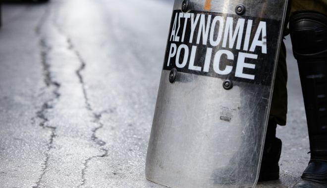 Στιγμιότυπο από επιχείρηση της αστυνομίας στην Αθήνα