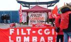 Το συνδικάτο της Amazon στην Ιταλία κάλεσε τα μέλη του να κατέβουν σε απεργία την Δευτέρα 22/3, με αίτημα καλύτερες συνθήκες εργασίας.