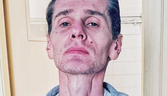 """Εικόνες-σοκ του """"Mr. Bitcoin"""" από τη φυλακή - 90 μέρες σε απεργία πείνας"""
