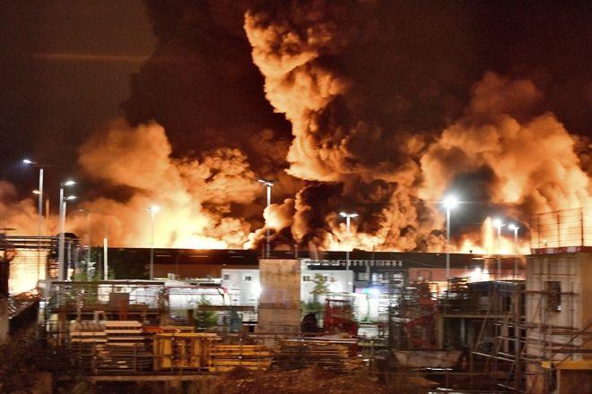 Φωτιά σε χημικό εργοστάσιο στη Γαλλία