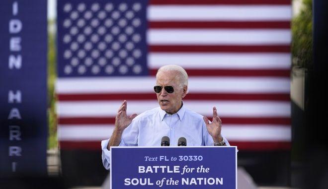 Ο υποψήφιος των Δημοκρατικών για τον Λευκό Οίκο Τζο Μπάιντεν
