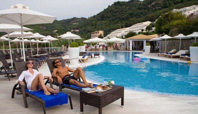Πάνω από 120 ξενοδοχεία στο σφυρί παρά την αύξηση του τουρισμού