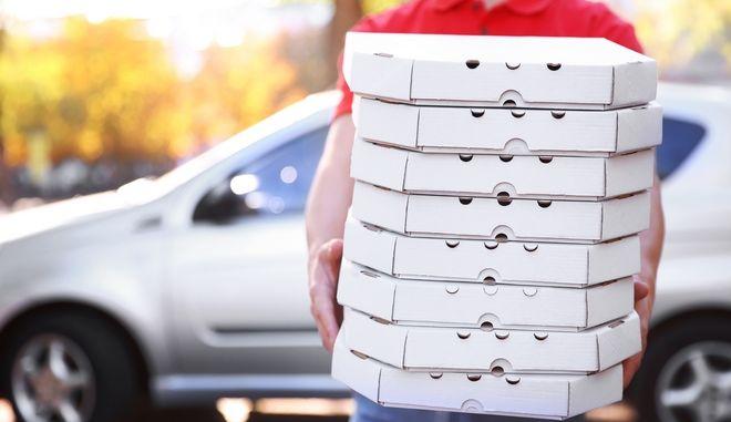 Ηλικιωμένος διανομέας πίτσας λαμβάνει φιλοδώρημα 12 χιλιάδων δολαρίων χάρη στο TikTok