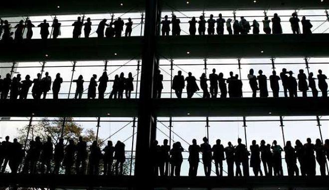 Στο τιμόνι της Ευρώπης με πρωτιά στην ανεργία: Στο 27,4% τον Σεπτέμβριο του 2013
