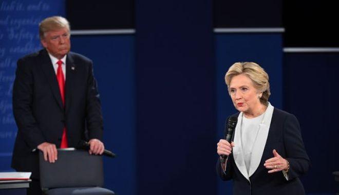 Debate Κλίντον - Τραμπ με επίκεντρο σεξιστικά σχόλια και e-mails
