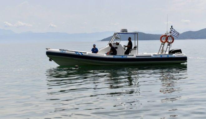 Αγιόκαμπος: Έρευνες για μέλος πληρώματος δεξαμενόπλοιου που έπεσε στη θάλασσα