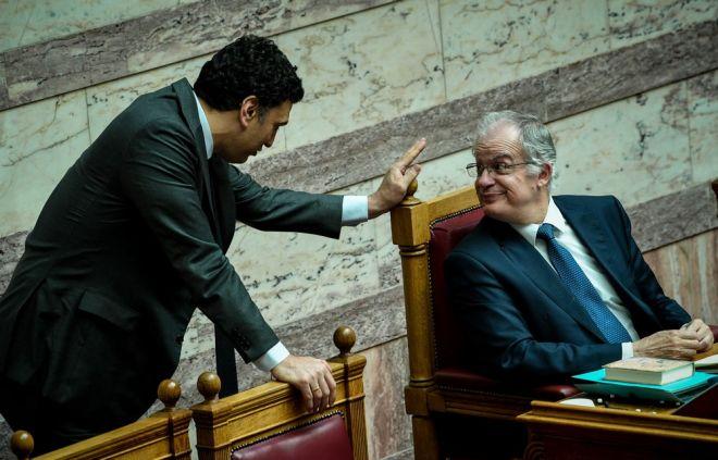 Ο Υπουργός Υγείας Βασίλης Κικίλιας και ο Πρόεδρος της Βουλής Κώστας Τασούλας