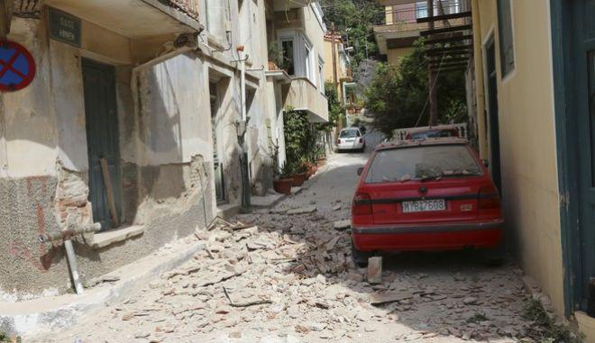 Ισχυρός σεισμός 6,2 ριχτερ στην Μυτιλήνη,καταστροφες στο Πλωμάρι,Δευτέρα 12 ιουνίου 2017(EUROKINSSI)