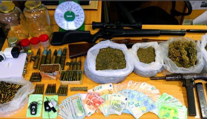 """Συνελήφθη πρώην παίκτρια του """"Big Brother"""" για ναρκωτικά και όπλα"""