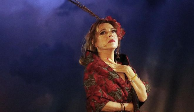 """Η Δήμητρα Παπαδοπούλου στην σκηνή για οτ έργο """"Μαντάμ Σουσού"""""""
