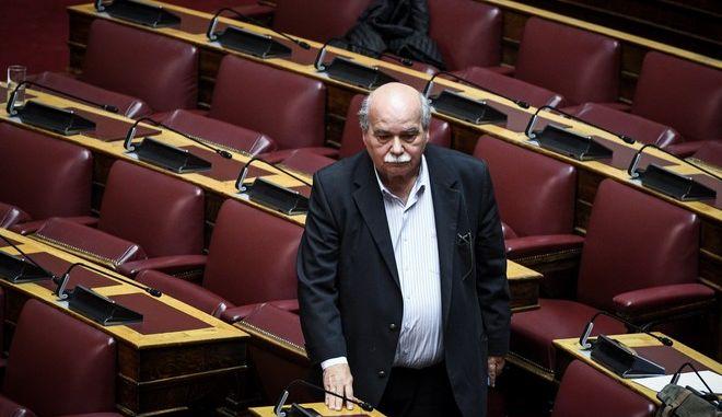 Ο πρόεδρος της Βουλής Νίκος Βούτσης στην ολομέλεια για την τροποποίηση του κανονισμού