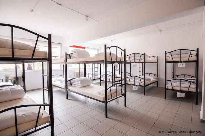 Το πρώτο υπνωτήριο για άστεγα παιδιά ανοίγει τις πόρτες του στην Αθήνα