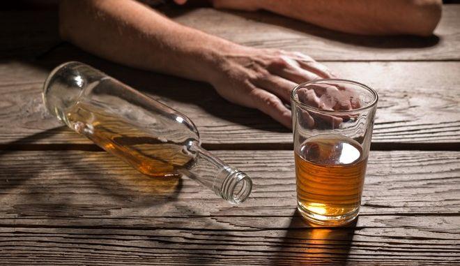 ΗΠΑ: Μεγάλη κρίση για τη δημόσια υγεία ο εθισμός σε αλκοόλ και ναρκωτικά