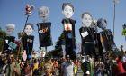 Ακτιβιστές διαδηλώνουν κατά της G7