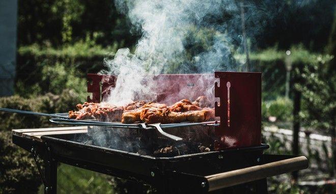 Κρέας σε ψησταριά