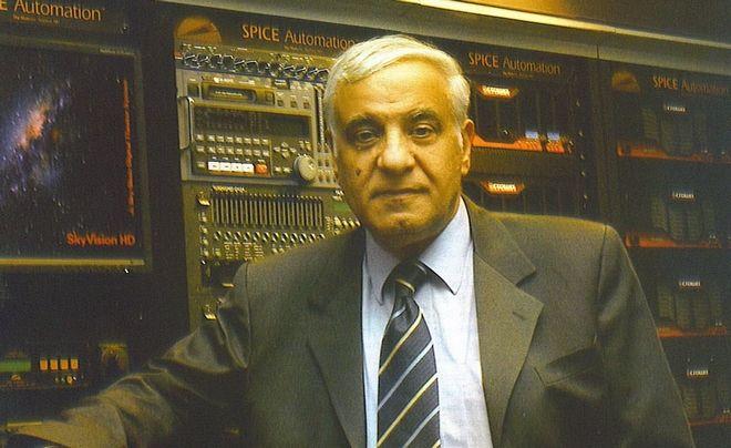 Ο Διονύσης Σιμόπουλος μας λέει αν κινδυνεύουμε από αστεροειδείς