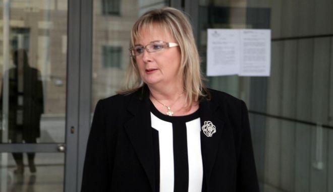 Η βουλευτής των Ανεξάρτητων Ελλήνων Σταυρούλα Ξουλίδου κατευθύνεται στο γραφείο του εισαγγελέα για να καταθέσει για τις καταγγελίες της περί απόπειρας δωροδοκίας της, την Πέμπτη 27 Νοεμβρίου 2014.(EUROKINISSI/ΑΛΕΞΑΝΔΡΟΣ ΖΩΝΤΑΝΟΣ)