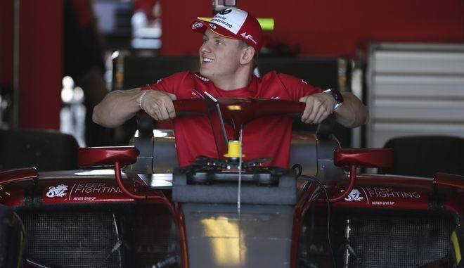 Ο Mick Schumacher σε αγώνα της formula 2