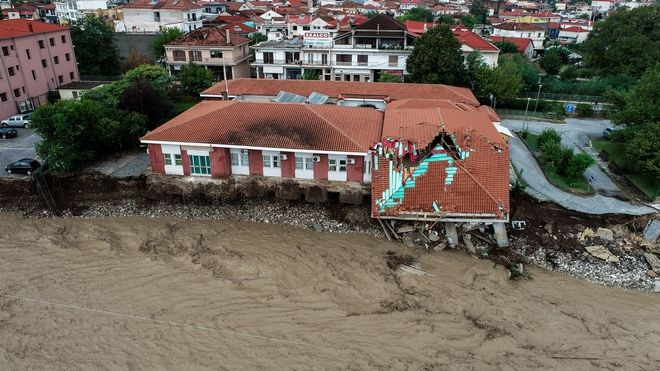 Στιγμιότυπα από την περιοχή Μουζάκι στην Καρδίτσα,όπου υπερχείλισε ο Πάμισος ποταμός.Η περιοχή πλήττεται από τα ξημερώματα από τον Μεσογειακό κυκλώνα Ιανό, Σάβατο 19 Σεπτεμβρίου 2020. (EUROKINISSI)