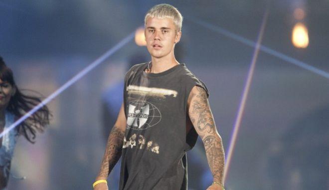 Αντιμέτωπος με τη δικαιοσύνη ο Justin Bieber για επίθεση σε φωτογράφο