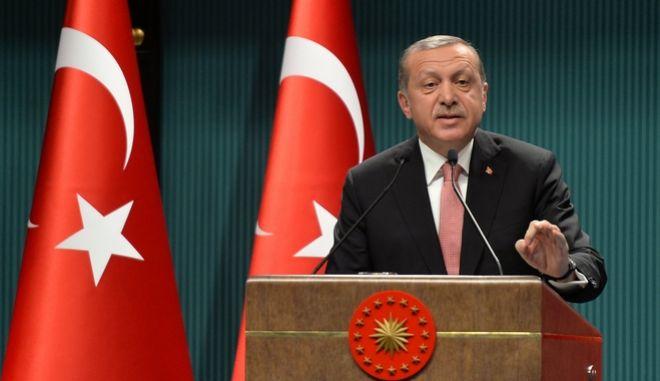 Επαναφορά της θανατικής ποινής μετά το δημοψήφισμα αναμένει ο Ερντογάν