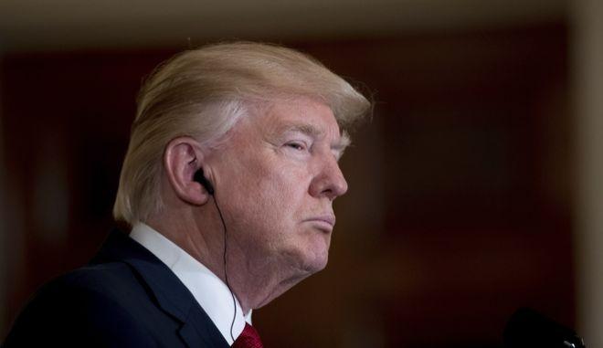 Επικοινωνία Τραμπ με τον πρόεδρο του Μεξικού για την εμπορική συμφωνία NAFTA