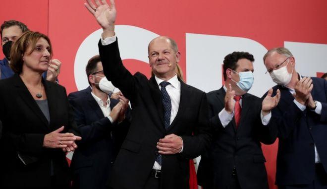 Ο Όλαφ Σολτς νικητής των εκλογών στη Γερμανία.