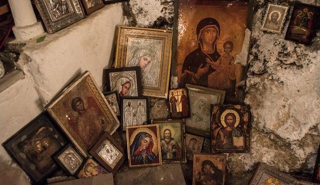 Η εικόνα της Παναγίας από τον ναό Κοίμησης της Θεοτόκου στο χωριό Σμέρνα