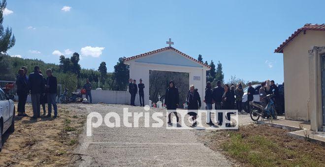 Σπαρακτικό το αντίο στην 22χρονη Αρετή - Επιμένει η οικογένεια για σατανιστές