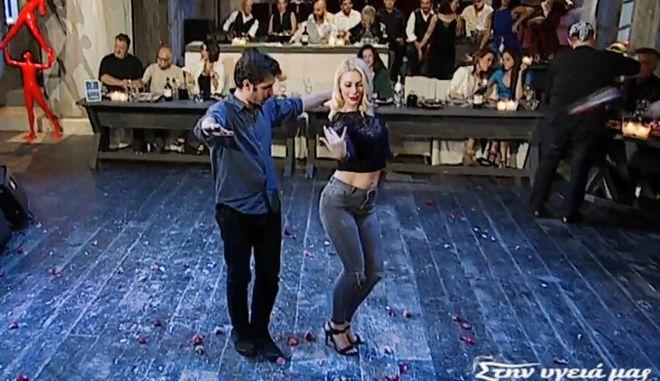 Στην Υγειά Μας: Το αφιέρωμα στο ρεμπέτικο και ο αισθησιακός χορός της Άννας Πολύζου