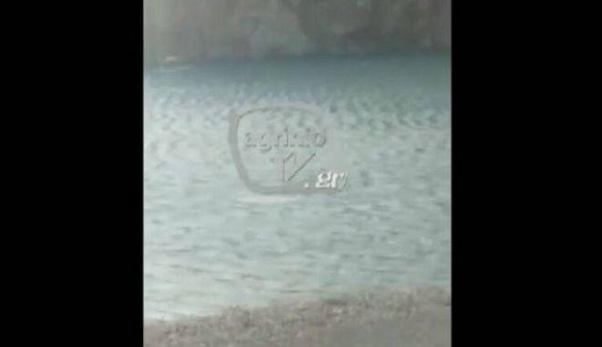 Σοκαριστικό βίντεο: 31χρονος πνίγηκε στη Ναύπακτο προσπαθώντας να σώσει τη βάρκα του από την καταιγίδα